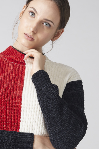 Texutred Sweater with Long Sleeves and High Neck