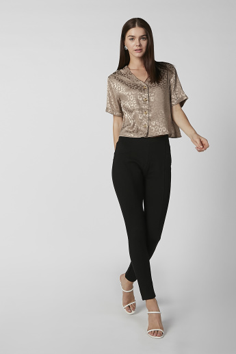 Textured Crop Shirt with V-neck and Short Sleeves