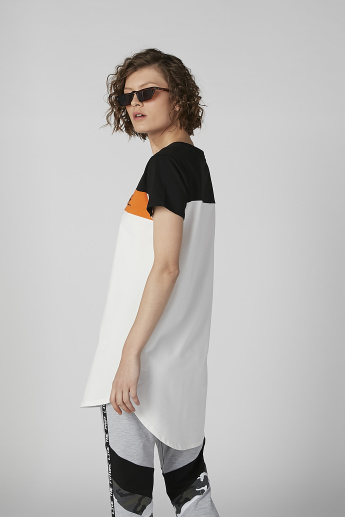 Printed Round Neck Longline T-shirt with Short Sleeves