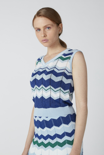 ELLE Printed Sleeveless Top in Slim Fit with V-Neck