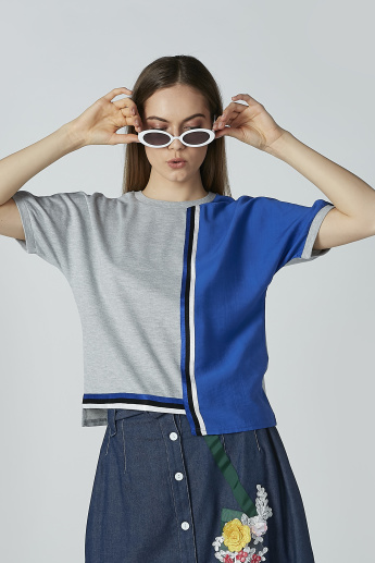 Iconic Colourblock T-shirt with Round Neck and Extended Sleeves