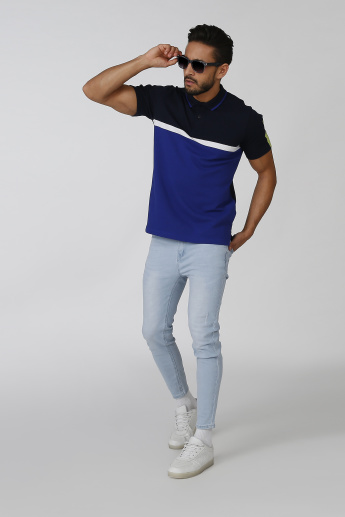 Iconic Slim Fit Colourblock T-shirt with Polo Neck and Short Sleeves