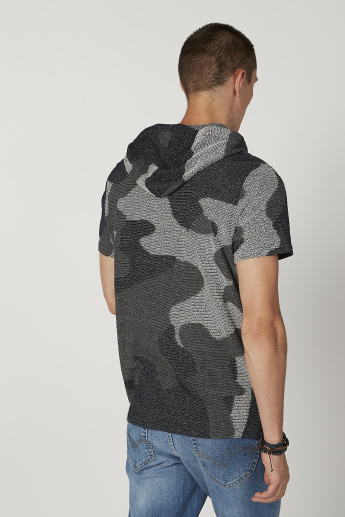 Iconic Slim Fit Textured T-shirt with Short Sleeves and Hood