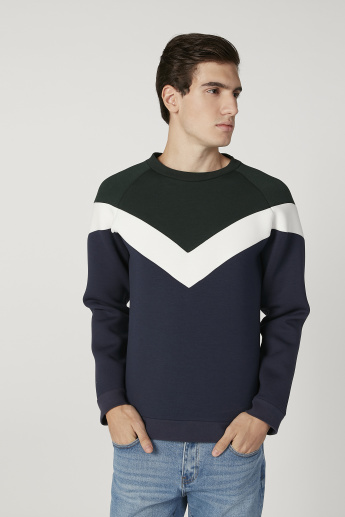 Iconic Slim Fit Sweatshirt with Raglan Sleeves and Stripe Detail