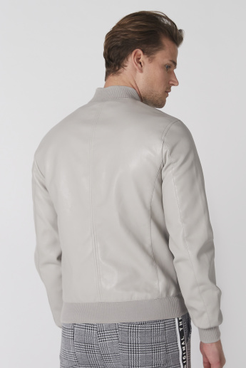 Long Sleeves Jacket and Zip Closure and Pocket Detail