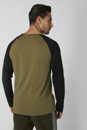 Lee Cooper Embroidered T-shirt with Crew Neck and Raglan Sleeves