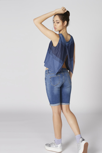 Sleeveless Top with Round Neck and Button Closure