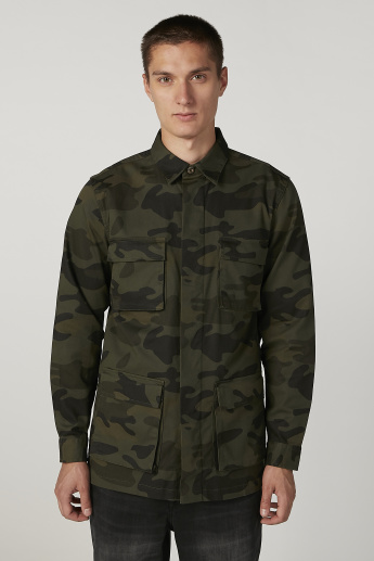 Camouflage Printed Shirt with Spread Collar and Long Sleeves