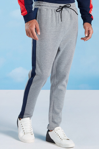 Skinny Fit Plain Mid-Rise Pants with Pockets and Tape Detail