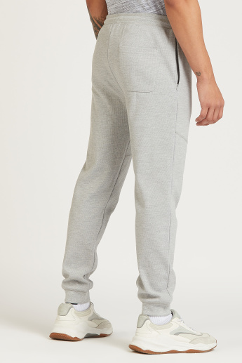 Skinny Fit Full Length Solid Mid-Rise Jog Pants with Pocket Detail