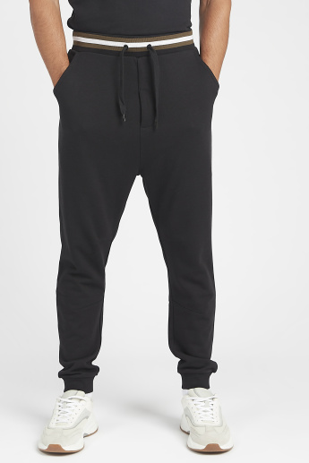 Sustainable Textured Joggers with Drawstring Closure and Pockets