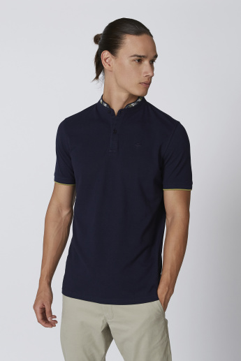 Sustainable Slim Fit Plain T-shirt with Printed Mandarin Collar