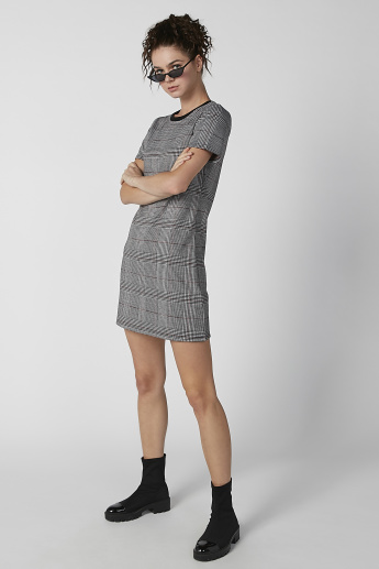 Bossini Chequered Mini T-shirt Dress with Round Neck and Short Sleeves