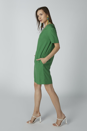 Solid Tunic with Short Sleeves and Pocket Detail