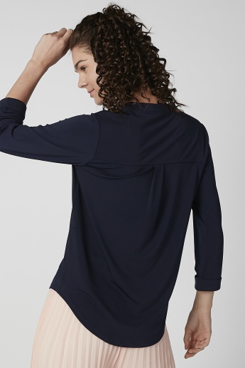 Plain Top with V-neck and 3/4 Sleeves