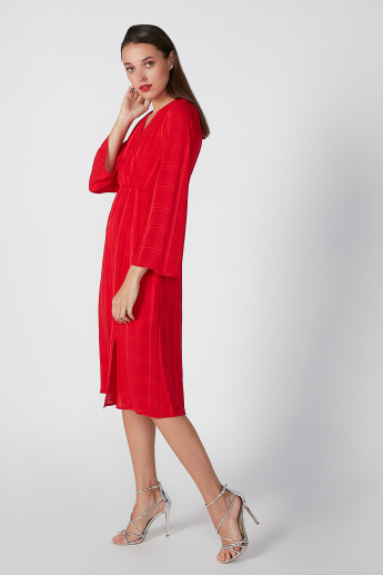 Textured A-Line Dress with V-neck and Long Sleeves