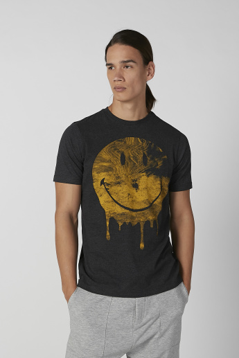 Sustainable Smiley World Slim Fit Printed T-shirt with Crew Neck