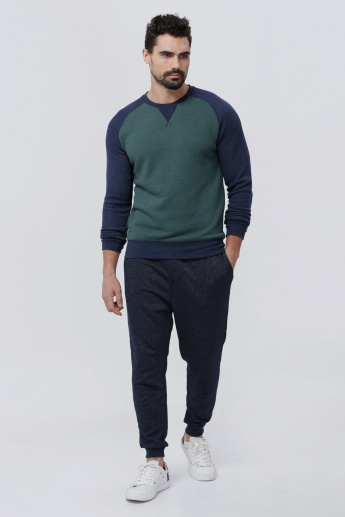 Round Neck T-Shirt with Raglan Long Sleeves