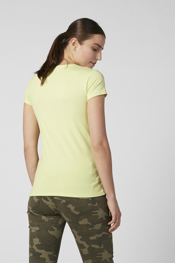 Plain T-shirt with V-neck and Short Sleeves
