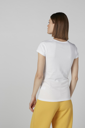 Sustainable Printed T-shirt in Slim-Fit with Round Neck