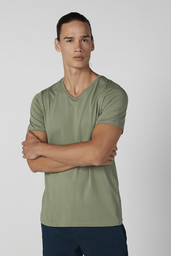 Plain V-neck T-shirt with Short Sleeves