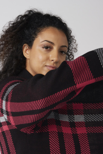 Chequered Cardigan with Long Sleeves