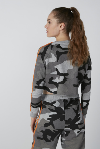 Camouflage Printed Crop Sweat Top with Long Sleeves