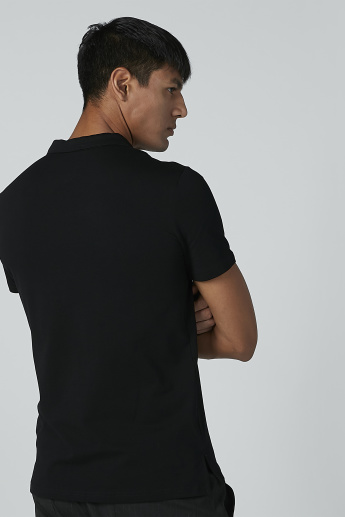 Solid T-shirt with Polo Neck and Short Sleeves