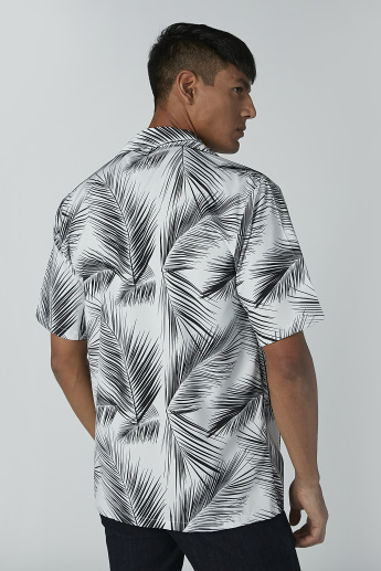 Printed Shirt with Short Sleeves and Chest Pocket Detail