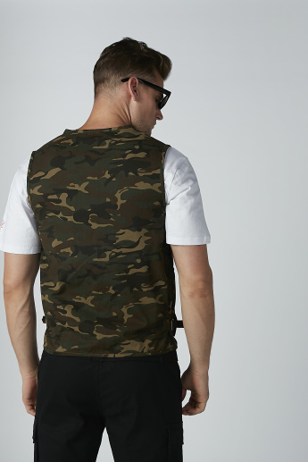 Camouflage Printed Sleeveless Jacket with Pocket Detail