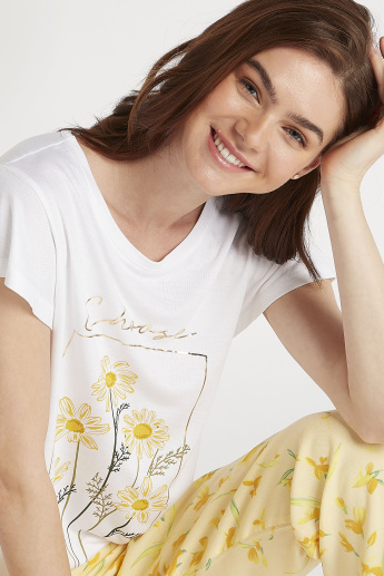 Sustainable Printed Short Sleeves T-shirt and Full Length Pyjamas Set