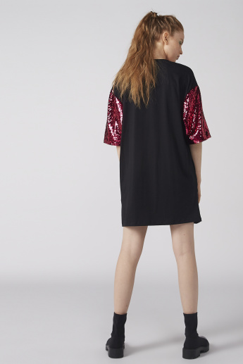 Oversized Round Neck T-Shirt with Sequin Detail and Short Sleeves