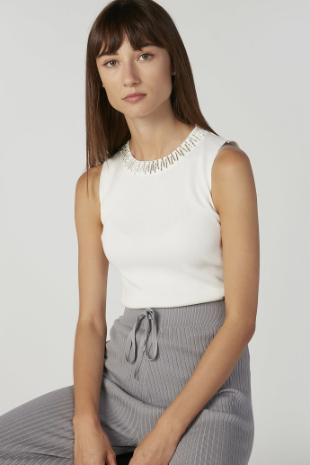 Embellished Detail Sleeveless Top with Round Neck