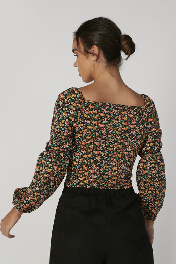 Skinny Fit Floral Printed Top with Sweetheart Neck and Long Sleeves