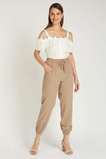 Solid Mid-Rise Trousers with Pocket Detail and Drawstring