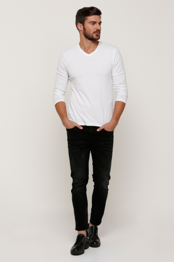 Plain T-shirt with V-neck and Long Sleeves