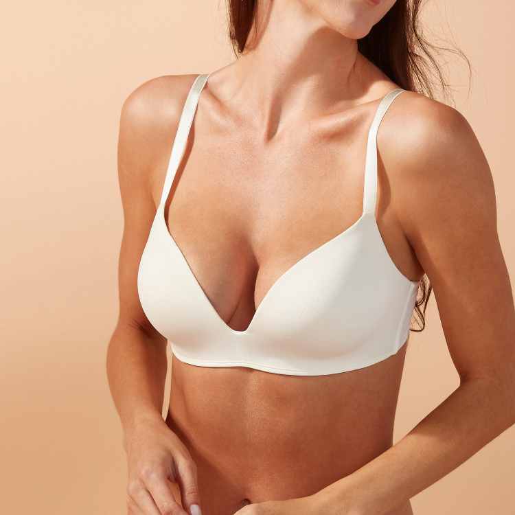 Non Wired Padded Bra with Hook and Eye Closure
