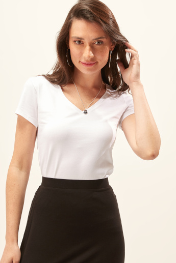 Solid T-shirt with V-neck and Cap Sleeves