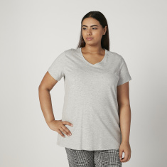 Plain Top with V-neck and Short Sleeves