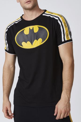 Slim Fit Batman Printed T-shirt with Round Neck and Short Sleeves