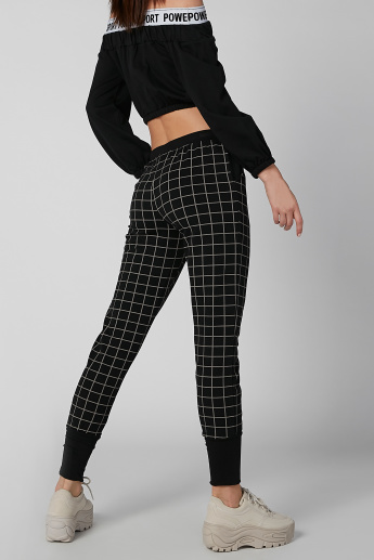 Chequered Cropped Jog Pants with Pocket Detail