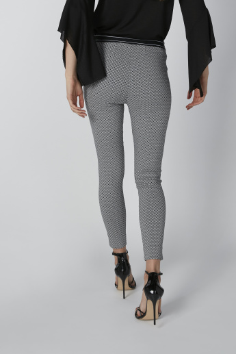 Printed Mid-Rise Pants with Elasticised Waistband