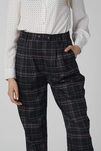 Chequered Cropped Trousers with Pocket Detail