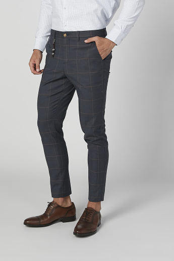 Slim Fit Full Length Chequred Chinos with Pocket Detail